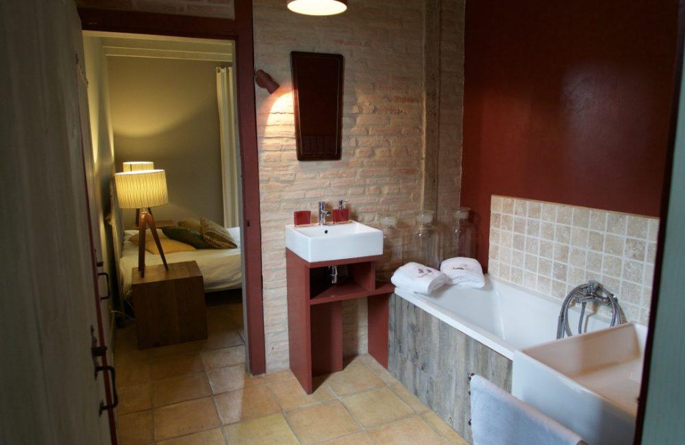 "Salle de bain de la chambre ""la Passerelle"""